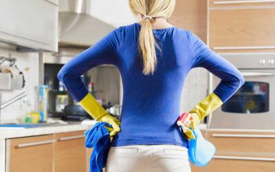 ¿Es conveniente contratar a una empleada de hogar durante las vacaciones?